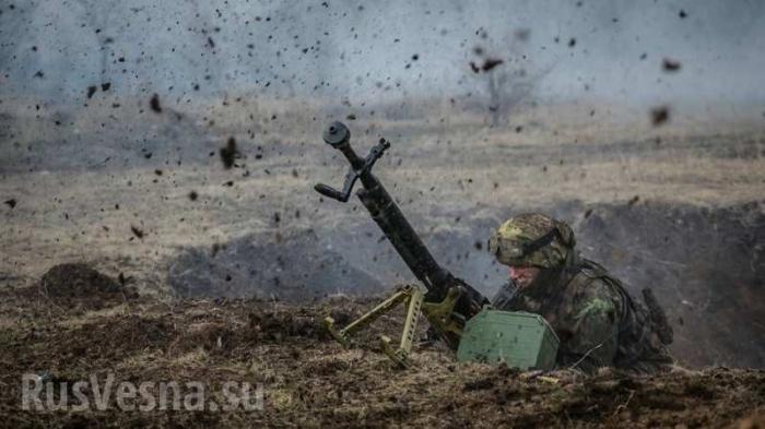 В ДНР и ЛНР идёт окопная война с карателями еврейской Хунты