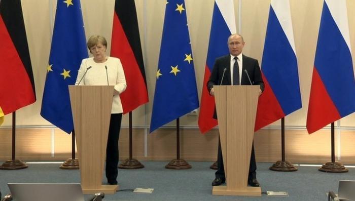Встреча с Владимиром Путиным стала для Меркель глотком живительного воздуха