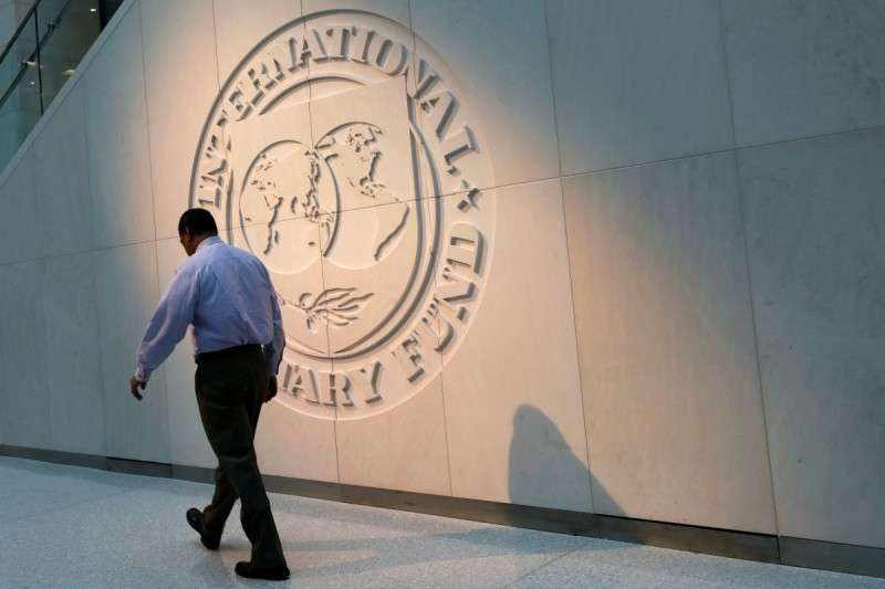 Как незалежная собирается клянчить кредиты у МВФ