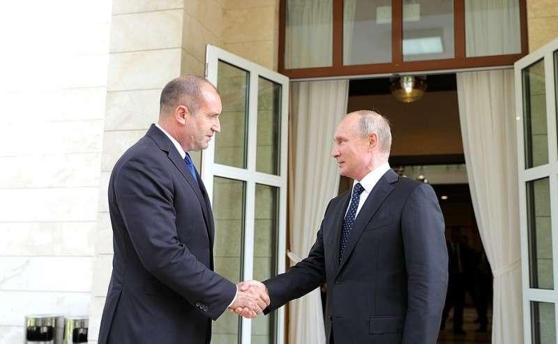 C Президентом Болгарии Руменом Радевым.