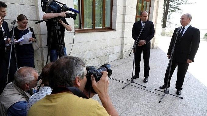 Пресс-конференция Владимира Путина иПрезидента Болгарии Румена Радева