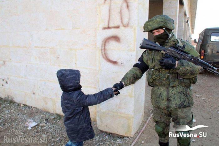 «Братуха!» – сирийские дети весело благодарят русских военных и Россию
