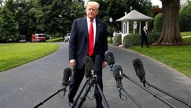 Президент США Дональд Трамп во время пресс-конференции у Белого дома в Вашингтоне. 23 мая 2018
