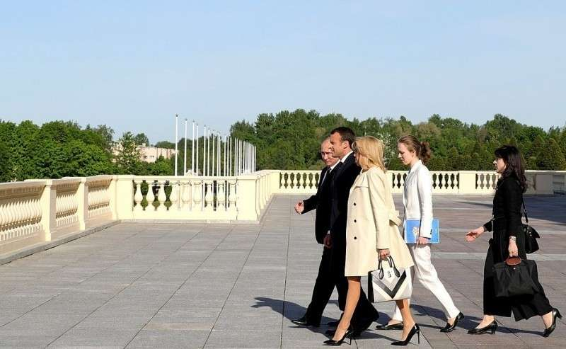 C Президентом Франции Эммануэлем Макроном иего супругой Брижит Макрон.