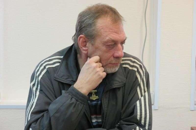 Паразиты признали пермского художника экстремистом из-за старинных русских узоров