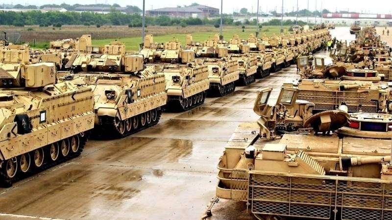 Танковая бригада США выдвинулась к границам России