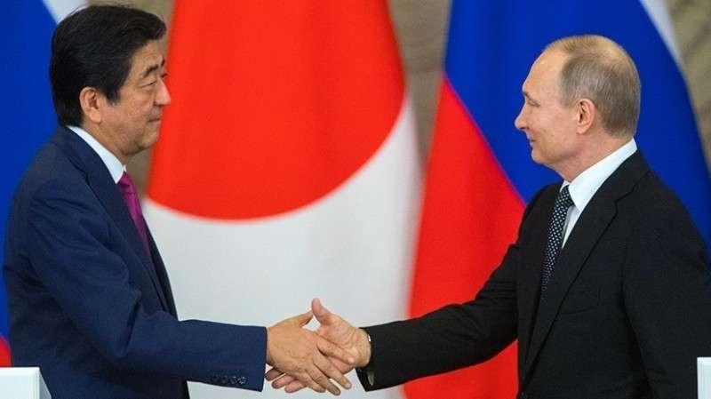 Владимир Путин и Синдзо Абэ. О чём будут говорить лидеры на переговорах в Петербурге