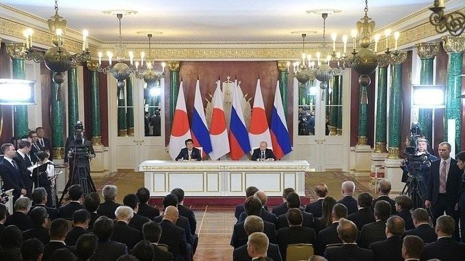 Владимир Путин и Синдзо Абэ сделали заявления для прессы
