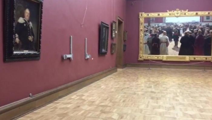 Картину Репина в Третьяковке искалечил пьяный вандал