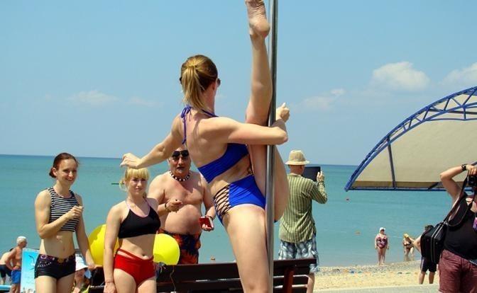 Крым взорвался летним купальным сезоном
