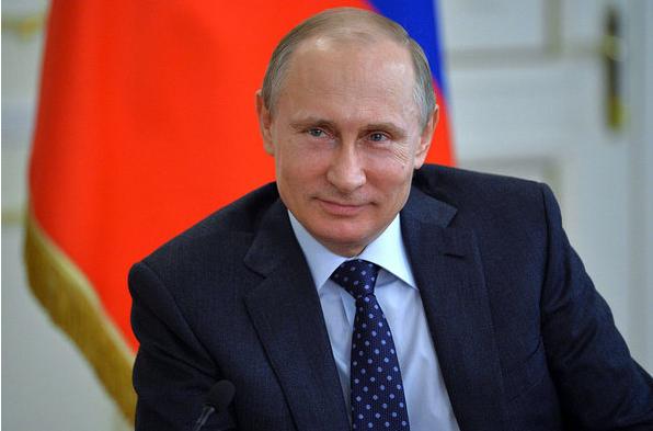 Владимир Путин решил отменить оплату коммунальных услуг для пенсионеров за 70 лет
