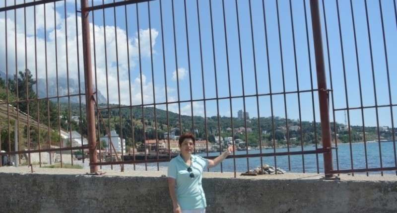 Новым символом Крыма стал забор: всё выше, мощнее и повсюду