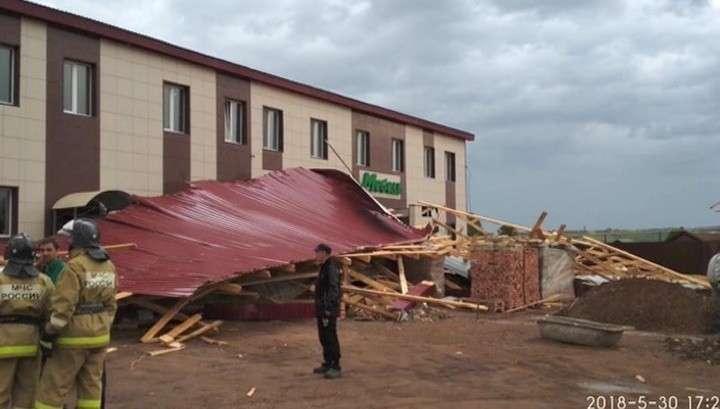 Ураган в Казани: ветер срывал крыши и якоря с судов