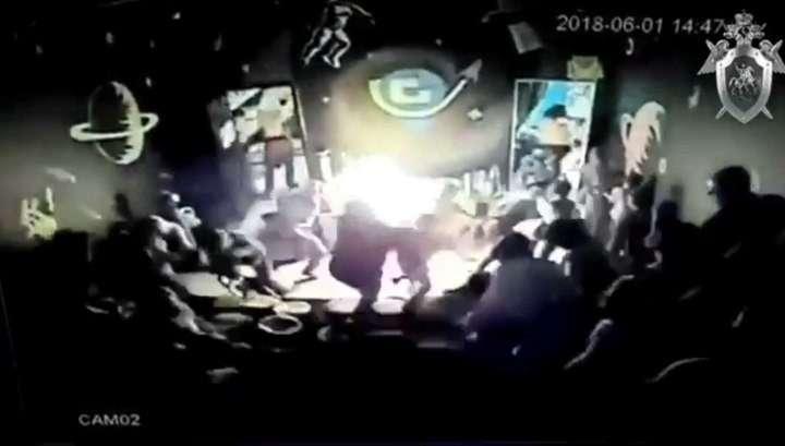 Взрыв во время детского праздника в иркутском ТЦ попал на видео