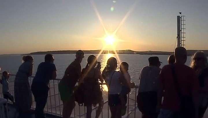 Вопреки санкционным запретам лайнер с немецкими туристами прибыл в  Крым