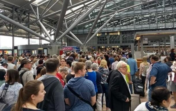 Аэропорт в Гамбурге закрыли из-за отсутствия электричества