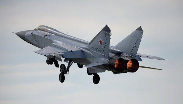 Самолёты МиГ-31 «прикрыли» корабли Тихоокеанского флота
