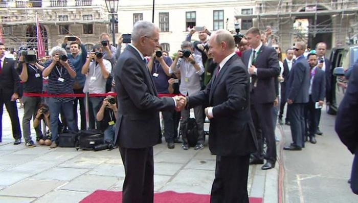 Владимир Путин прибыл в Австрию для переговоров