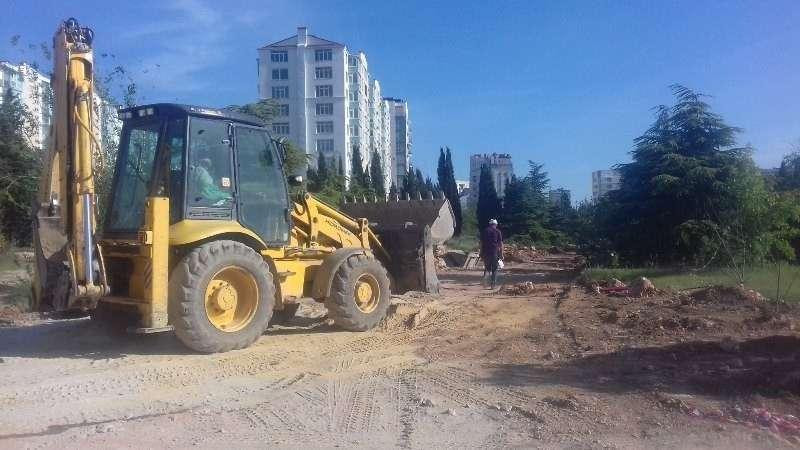 В Севастополе пляж парка Победы превратили в рынок