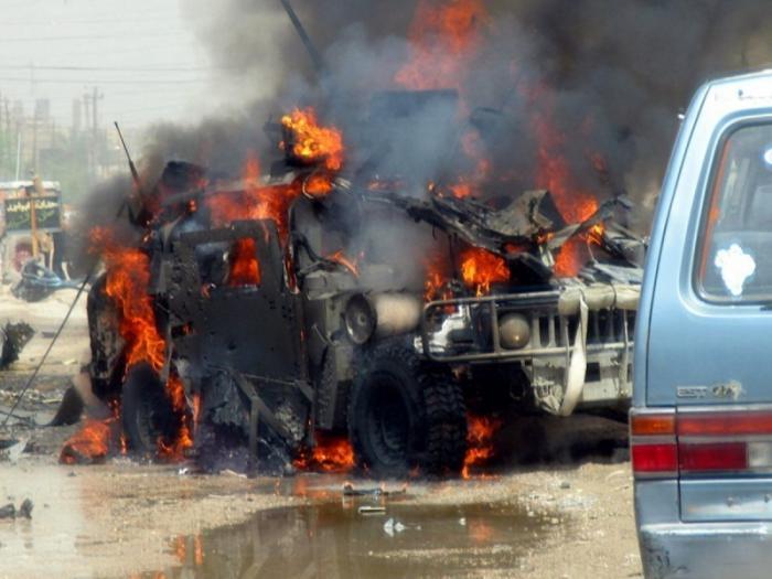 В Сирии мощным фугасом взорвали более 30 американских и французских оккупантов