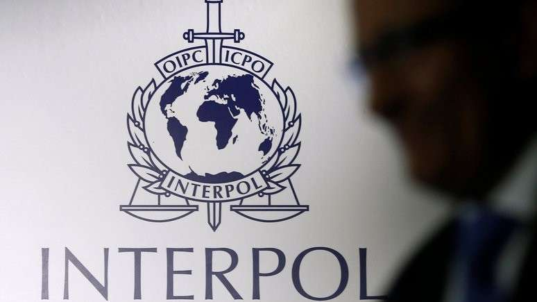 Дикие британцы требуют исключить Россию из Интерпола, чтобы спасти жулика Браудера
