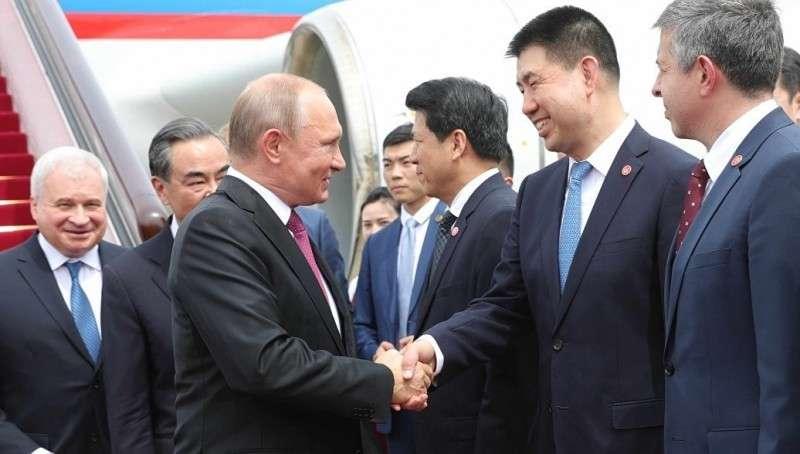Владимир Путин прибыл в Пекин для переговоров с Си Цзиньпином
