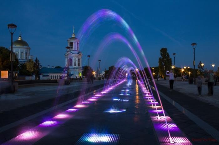 ВВоронеже открыли обновлённую Советскую площадь с оригинальным фонтаном