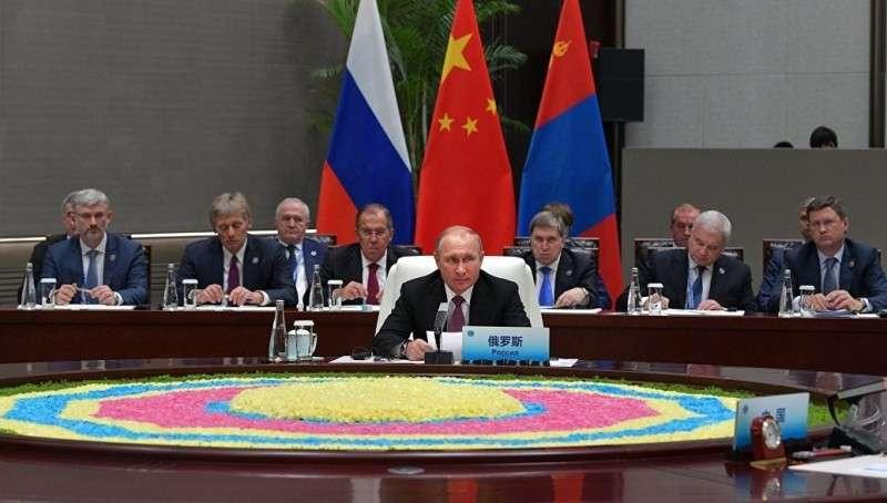 В Китае началось заседание совета глав стран ШОС в узком составе