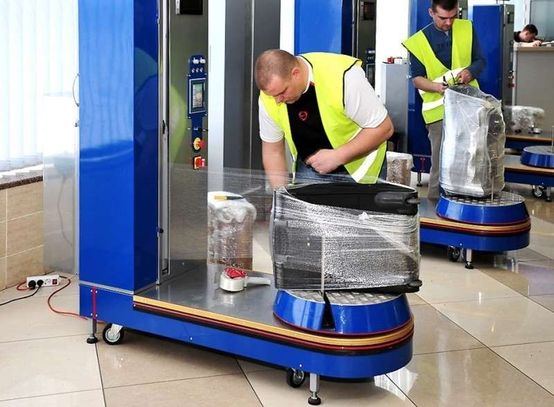 Воскресное полезное. Вы обматываете багаж плёнкой в аэропорту?