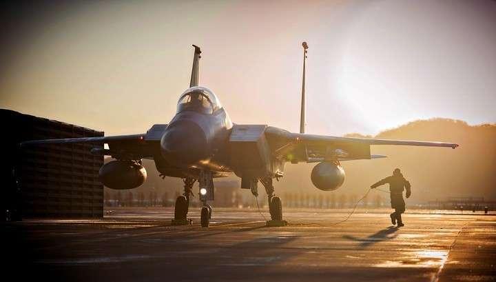 В Японии в районе острова Окинава разбился истребитель ВВС США