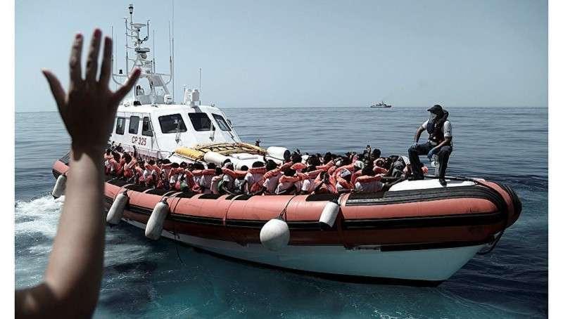 Италия начала бунт против ЕС: сотня несовершеннолетних и семь беременных