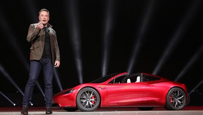 Агония Илона Маска, почему мошенник массово увольняет людей из Tesla