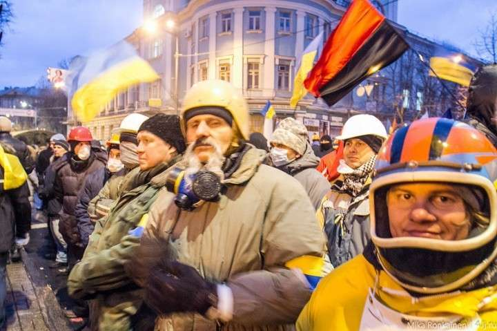 Майдановские собаки Теффта на «Марше предателей» в Москве