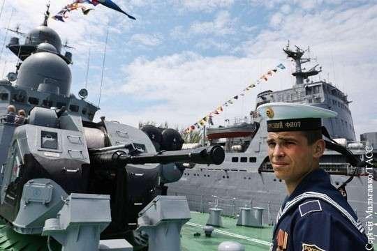 Черноморский флот оказал футболу боевую поддержку