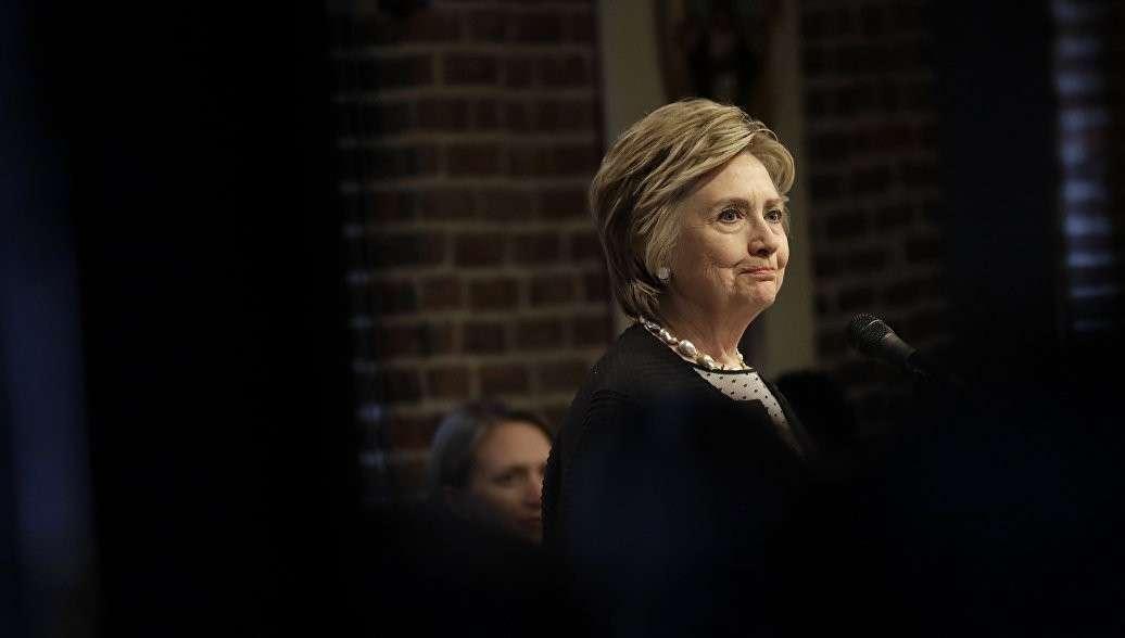 Посадят ли старушку Хиллари? В США идёт война двух партий на уничтожение Америки