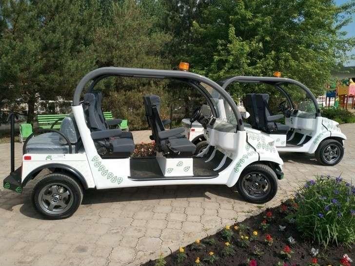 ЗАО«КОМЗ-Экспорт» произвел отгрузку электромобилей врамках нового проекта «Эко-такси»