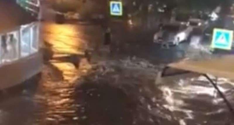 Ялта превратилась в Венецию после ливня