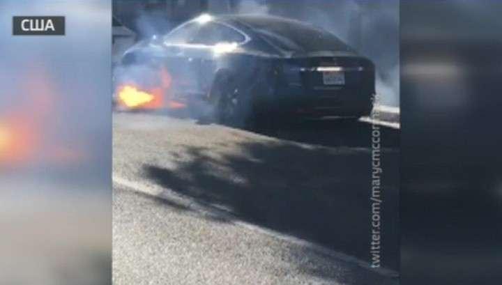 Британский продюсер едва не сгорел в своей Tesla