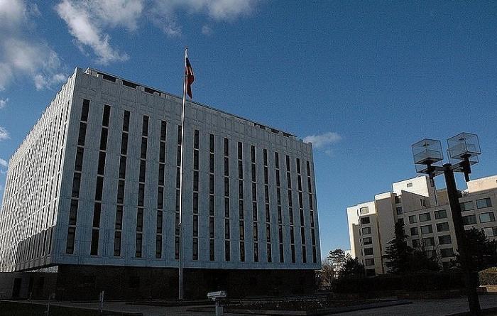 США обвиняют Россию и требуют освободить преступников. Посольство РФ против