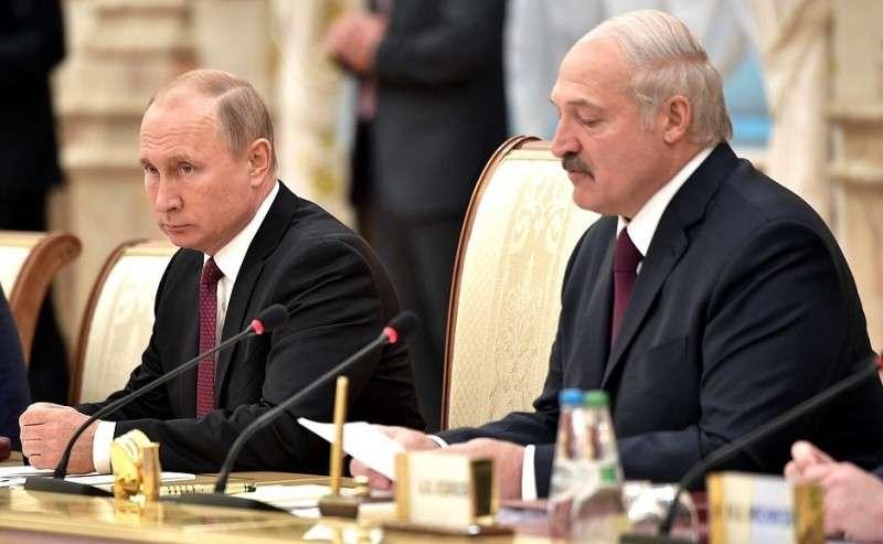 СПрезидентом Белоруссии Александром Лукашенко назаседании Высшего Государственного Совета Союзного государства.