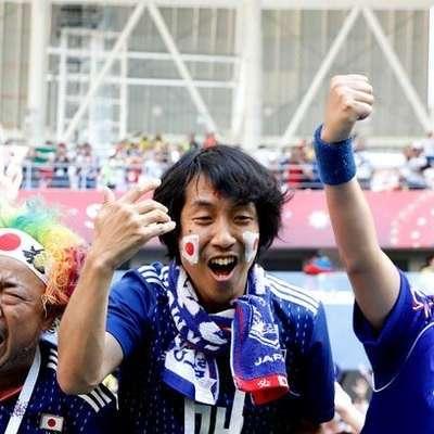 Это вам не дикая Европа: японские и сенегальские болельщики убрали за собой мусор с трибун