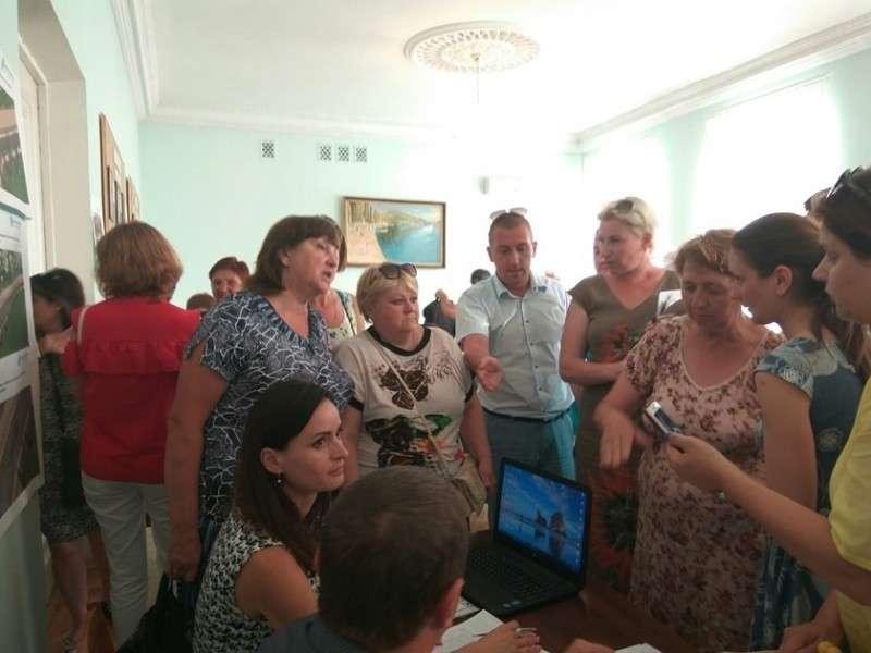 Правительство Севастополя сошло с ума от обилия денег
