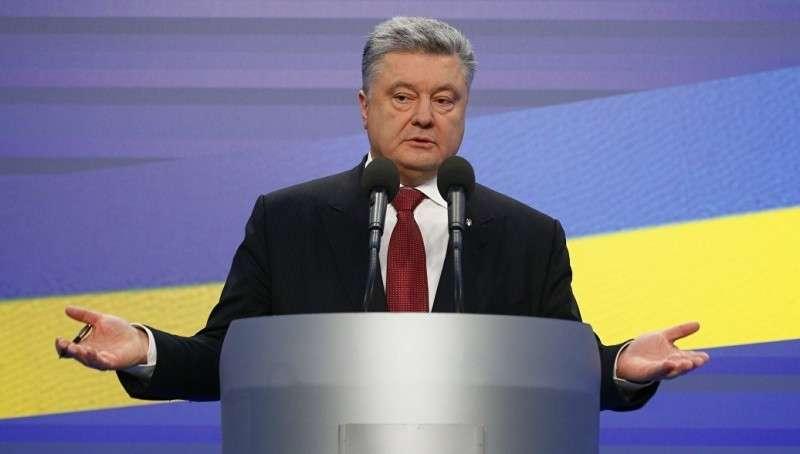 Петя Порошенко продолжает вводить санкции против России