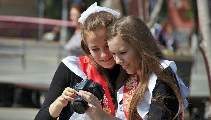 Путин призвал выпускников не ограничиваться лайками в соцсетях, а реализовать свои мечты
