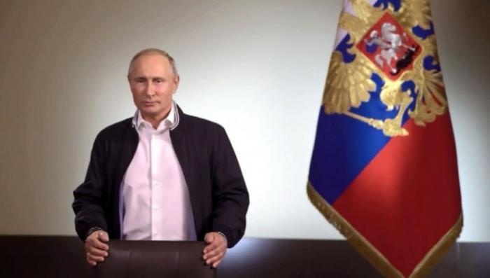 Владимир Путин поздравил российских выпускников с окончанием школы