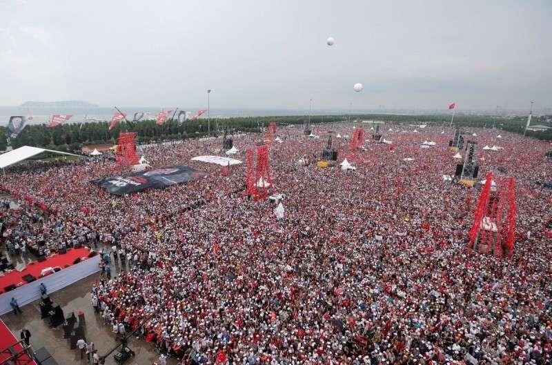 Выборы по-турецки: массовые шествия, протесты, аресты и заговор в СМИ