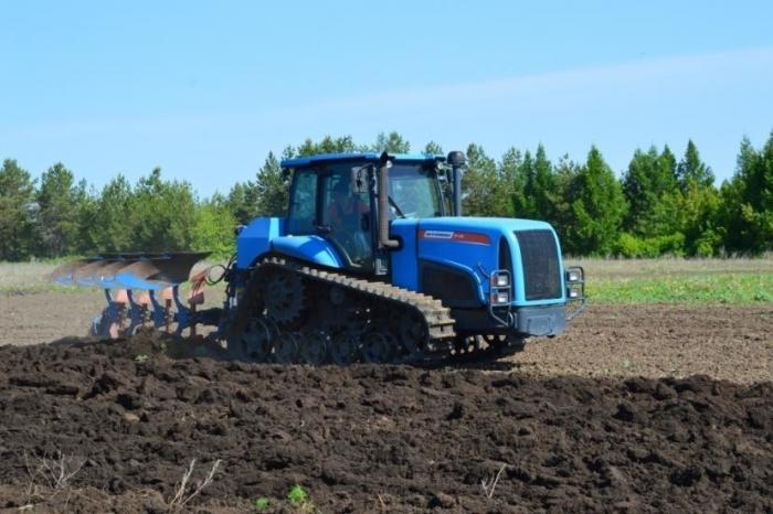 В России появился очень удобный и недорогой трактор АГРОМАШ ТГ150