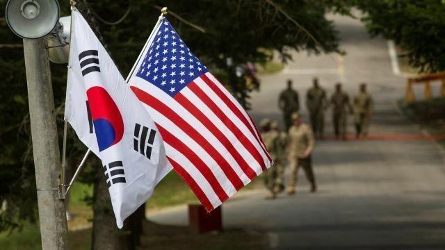 Командование США сбегает из Сеула