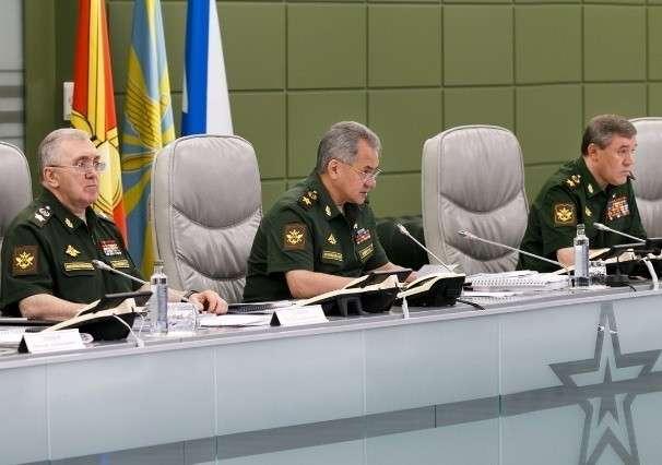 Министр обороны Сергей Шойгу провёл селекторное совещание с руководством Вооруженных Сил
