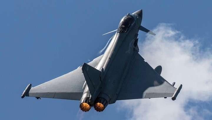 Дикие английские террористы сбросили на сирийскую армию 227-килограммовую бомбу